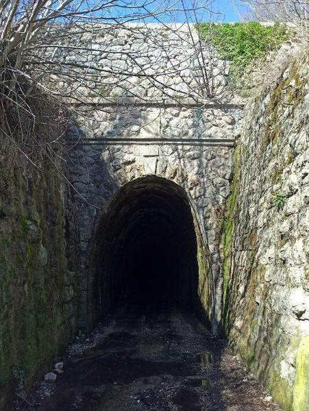 Южный вход в тоннель Суторман