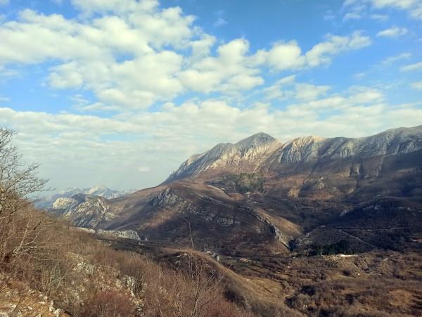 Вид на гору Румия с тропы на Лисинь